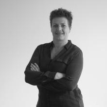 Corina Dekker